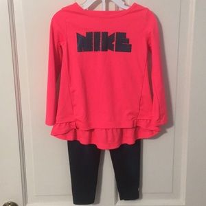 COPY - BASICALLY NEW Nike 2T Top and Legging…
